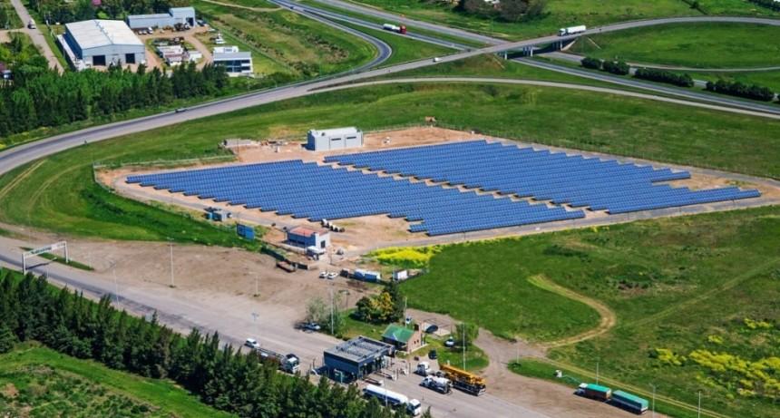 8 mil millones de pesos para la generación de energías renovables
