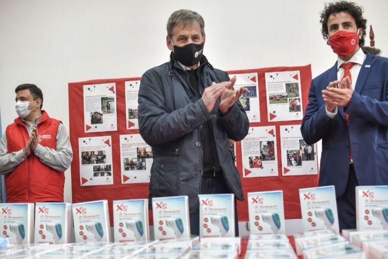 Se recibieron los termómetros donados por Cruz Roja