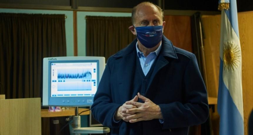 Perotti entregó respiradores y un monitor cerebral al Hospital de Niños Orlando Alassia