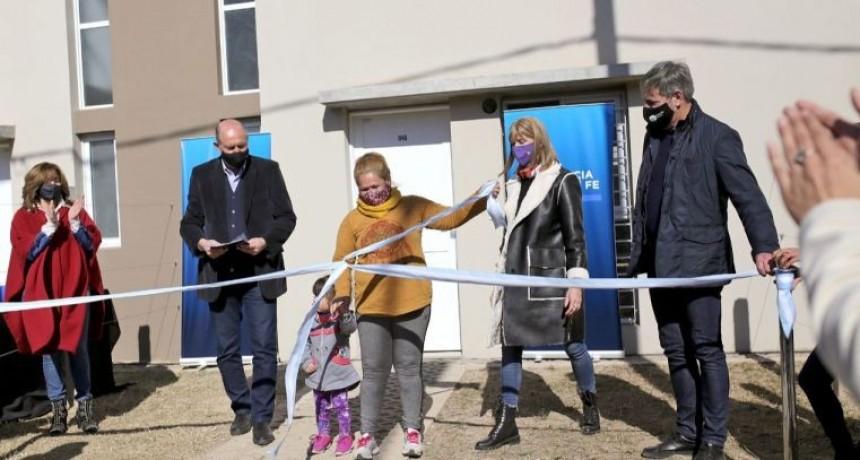 Se realizó la entrega de 18 viviendas en barrio Acería