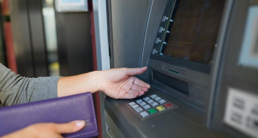Prorrogaron las operaciones sin cargo en los cajeros automáticos