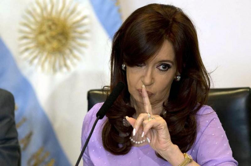 Citan a indagatoria a Cristina Kirchner por la causa Hotesur