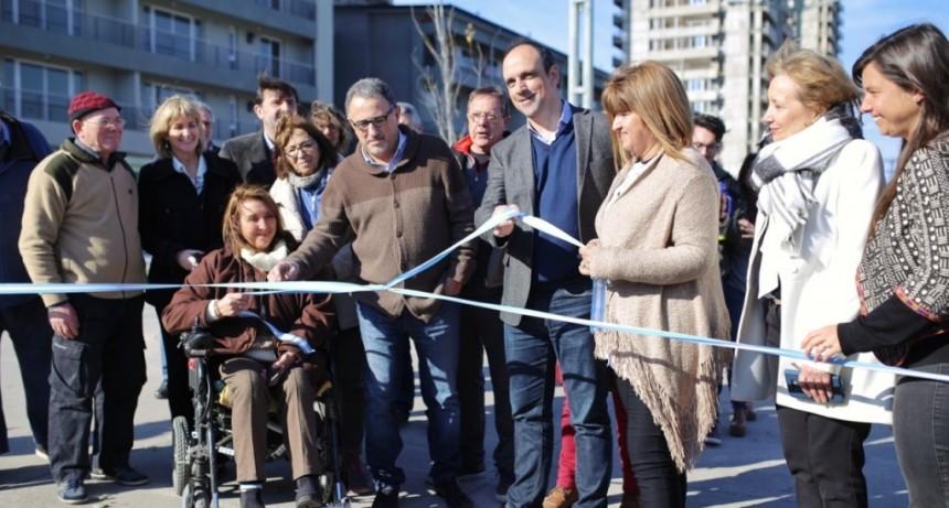 Corral inauguró las obras del entorno de las torres ProCreAr