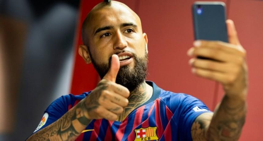 El primer encuentro entre Lionel Messi y Arturo Vidal en Barcelona