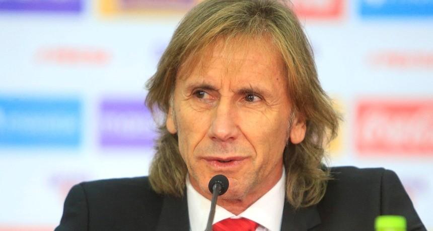 Ricardo Gareca seguirá siendo el DT de Perú