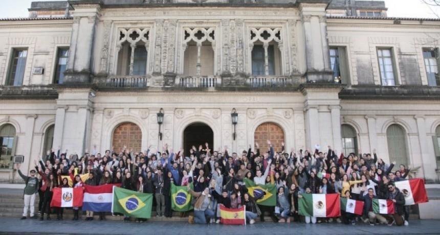 La UNL recibió a 144 estudiantes del mundo