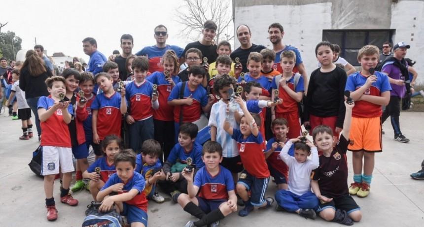 Las Escuelas de Fútbol de la ciudad se juntaron para festejar el Día del Niño