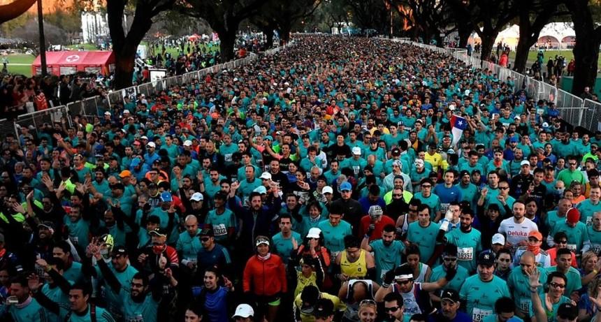 Un corredor santafesino murió de un infarto en la media maratón de Buenos Aires