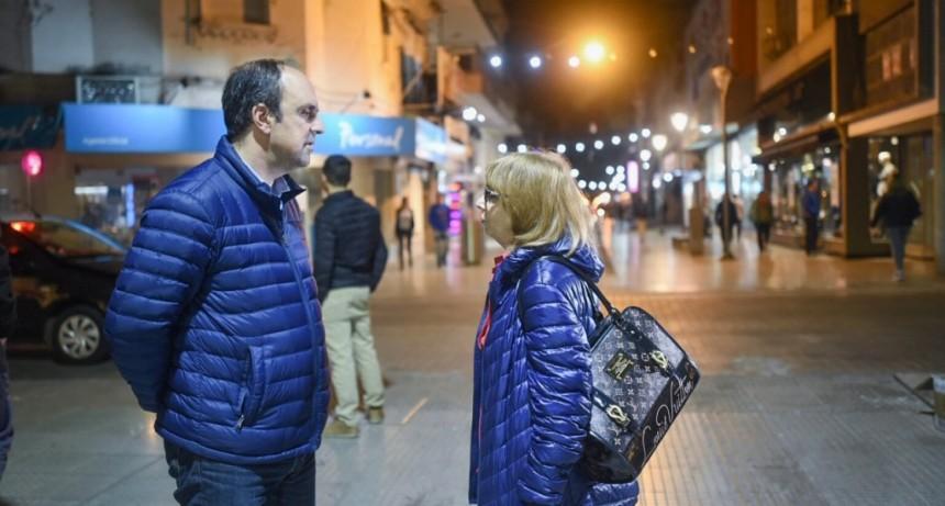 La Peatonal San Martín prueba su nueva iluminación led