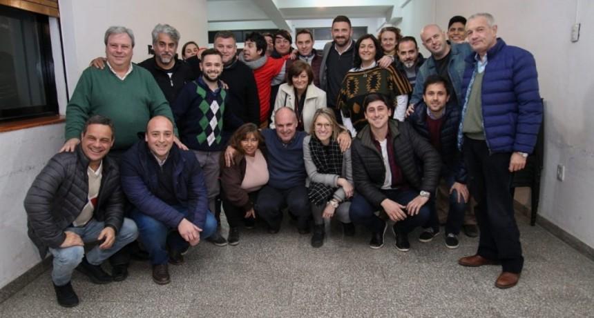 Fuerte apoyo de radicales santafesinos a las candidaturas de Enrique Estévez y Carolina Piedrabuena