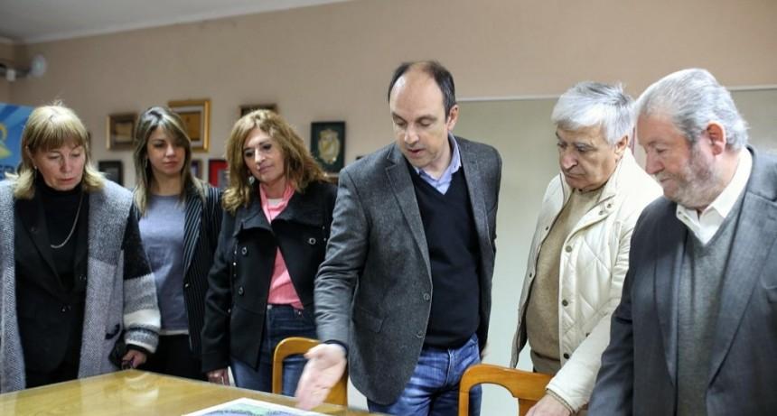 Corral participó de la firma de convenios de Nación con comunas de la provincia