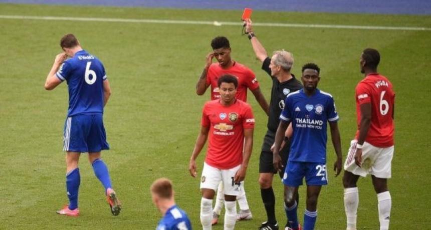 Tarjeta roja para los que le tosan a rivales en Inglaterra