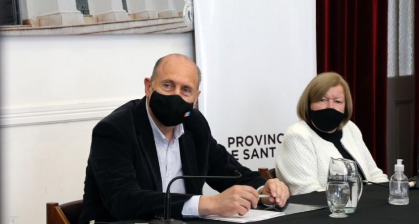 Perotti participó de la apertura de sobres para la ampliación y mejora de cloacas en Esperanza