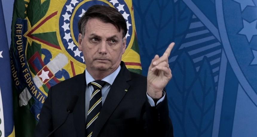 Bolsonaro le dijo a un periodista que tenía ganas de llenarle