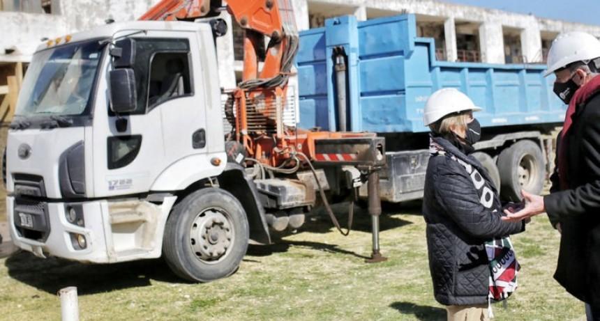 Comenzaron las demoliciones del plan integral en el Cementerio Municipal