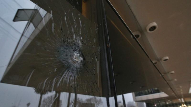 A horas del juicio contra Los Monos, otra vez atacaron a balazos el Centro de Justicia Penal