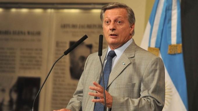 Macri informó que Aranguren decidió desprenderse de sus acciones en Shell
