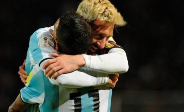 Con la firma de Messi, la Selección le ganó a Uruguay y lidera las Eliminatorias