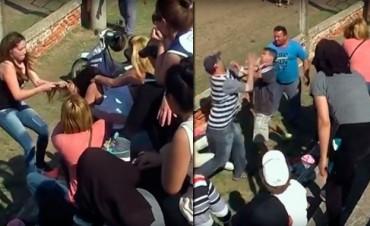 Dos mamás del fútbol infantil se agarraron de los pelos