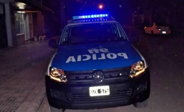 Golperaron con un ladrillazo a una mujer policía