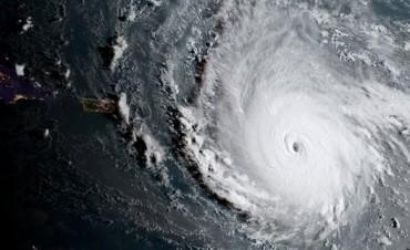 El huracán Irma llegó a las costas del Caribe con efectos devastadores