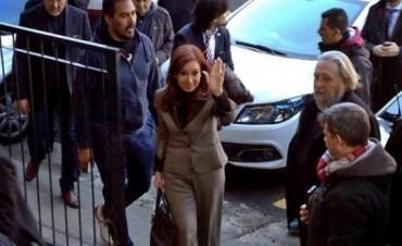 Pidieron indagar a Cristina Kirchner por encubrimiento al atentado a la AMIA