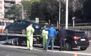 Javier Pinola involucrado en un choque con su auto