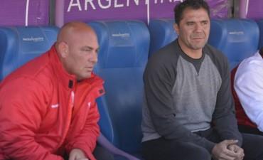 Empate en el debut del Bichi Fuertes como entrenador de Huracán Las Heras