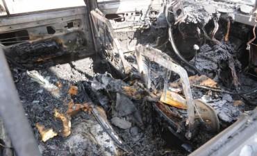 Investigan el incendio de un auto en el norte de la ciudad