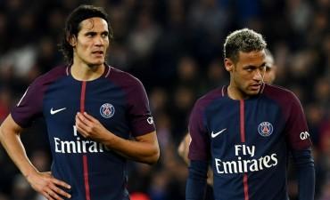 Le ofrecieron un millón a Cavani por dejarle patear los penales a Neymar