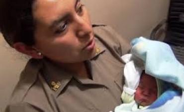 Rescatan en Esperanza a un bebé vendido por 30.000 pesos