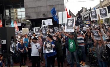 A dos meses de la desaparición de Santiago Maldonado, convocan a marchar en todo el país
