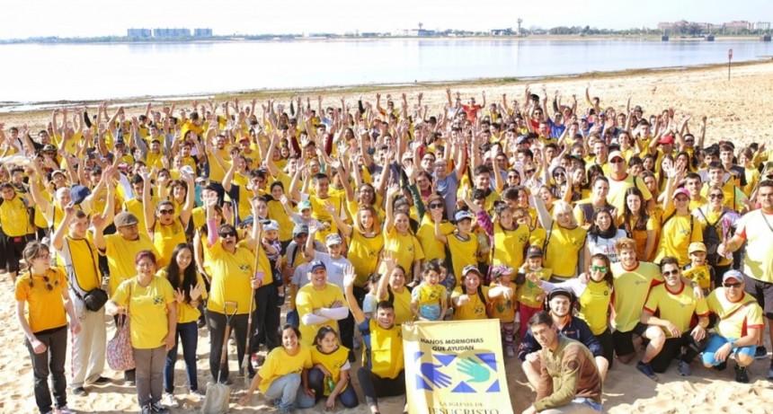 Corral participó del operativo de limpieza en las playas