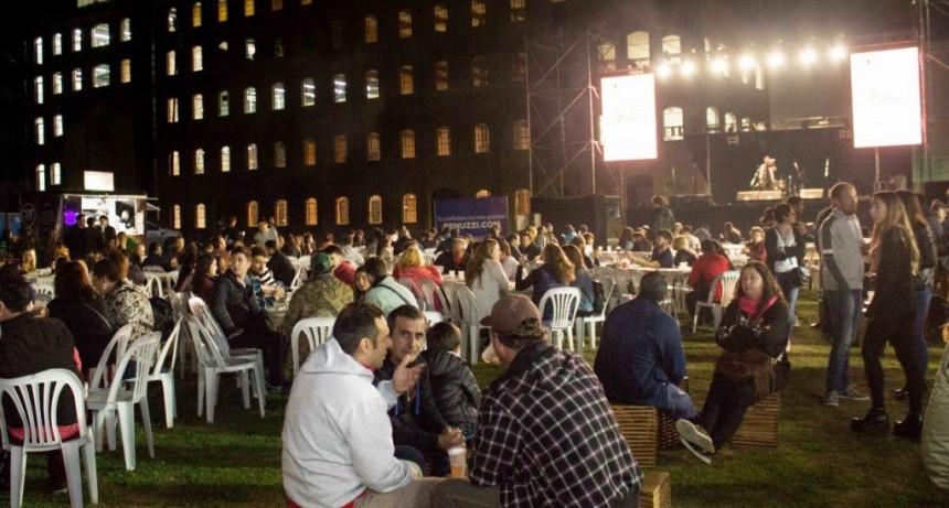 Corral participó de la apertura de la Fiesta de la Cerveza Artesanal