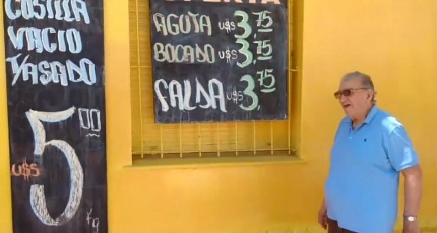 Una carnicería cordobesa puso sus precios en dólares