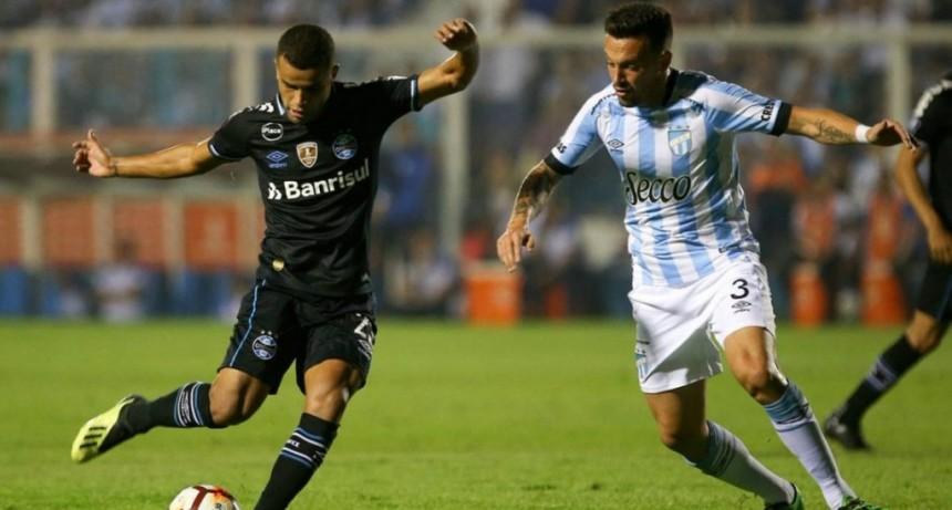 Atlético Tucumán perdió con Gremio como local y quedó complicado