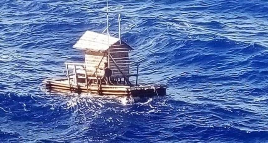 Un indonesio sobrevivió 49 días a la deriva en altamar en una plataforma de madera
