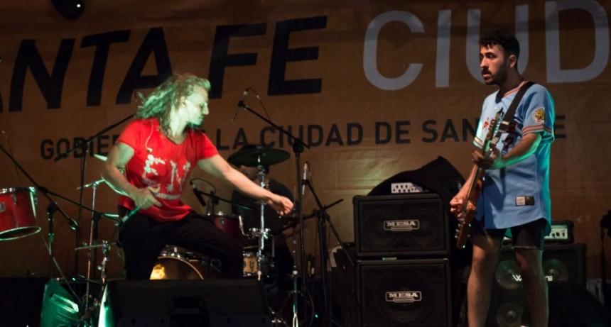 La Ciudad recibió la primavera junto a bandas locales