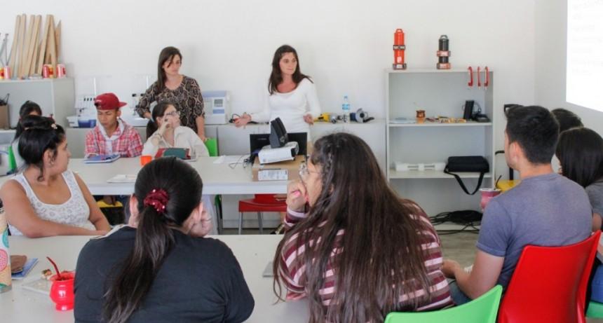 En las Escuelas de Trabajo se concientiza sobre la trata de personas