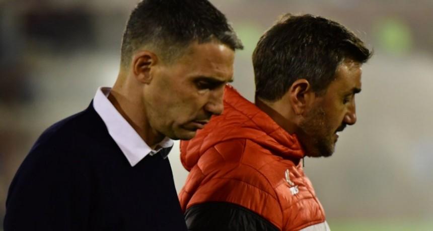 Vojvoda dejó de ser el entrenador de Huracán