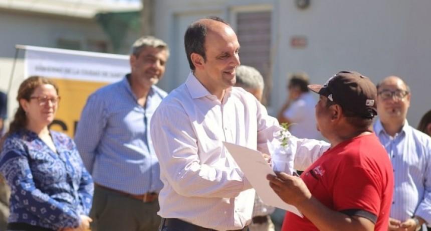 Se realizó la entrega de escrituras de las viviendas de Barrio Jesuitas