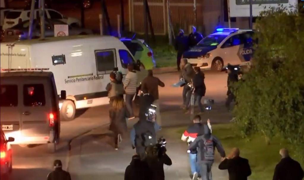 Báez se retiró de Ayres de Pilar en medio de la protesta de los vecinos