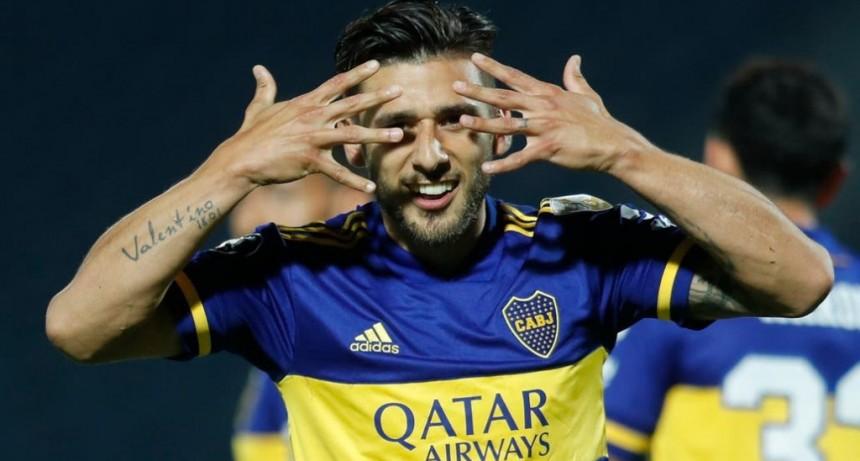 Boca venció a Libertad sin sufrir y llegó a la cima del grupo