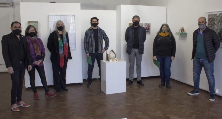 Se entregaron los premios del Salón Primavera elegidos entre 118 artistas