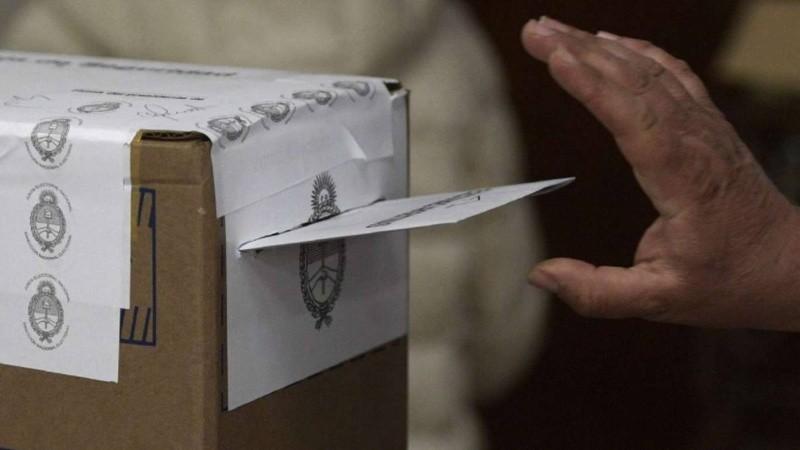 Paso 2021: a votar con lupa, lapicera y ojo con pasar la lengua al sobre