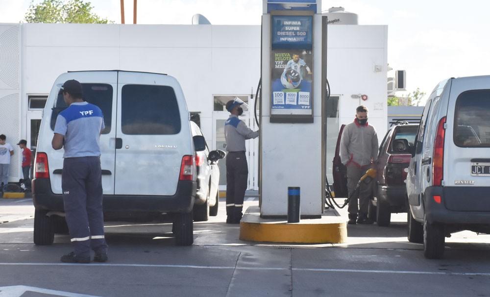 Tras las elecciones, los combustibles volverían a subir