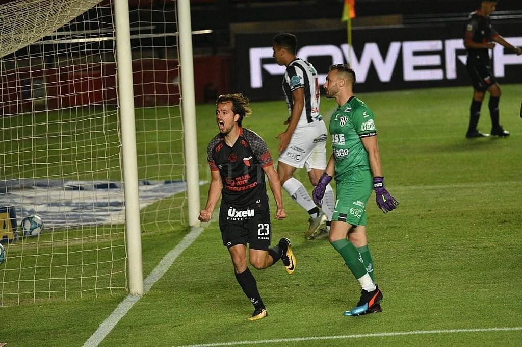 Volvió el campeón: Colón ganó después de cinco fechas