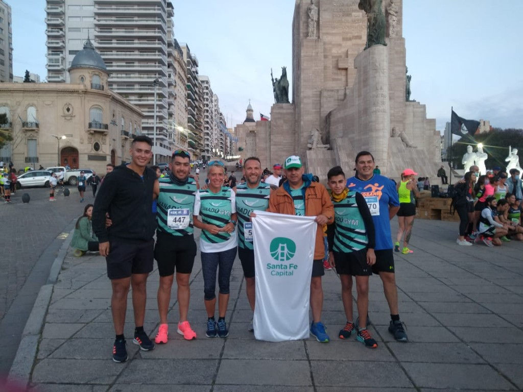 Integrantes del Club de Corredores Municipal participaron en la Maratón de Rosario