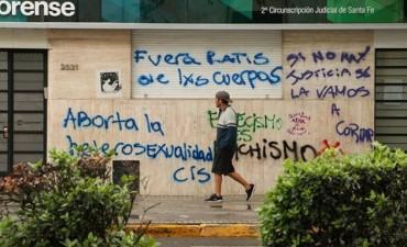 Rosario: Las pintadas que dejó la marcha