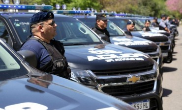 Se presentaron las nuevas camionetas de la Policia de Santa Fe